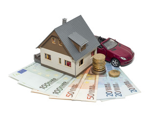 С 1 мая планируется снизить лимит разрешенных сделок в наличных деньгах