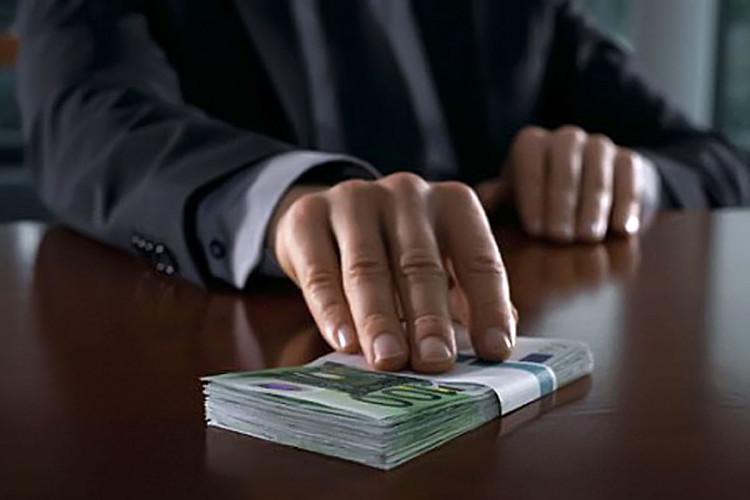 Что следует учитывать плательщикам подоходного налога с предприятий в связи с дачей взятки